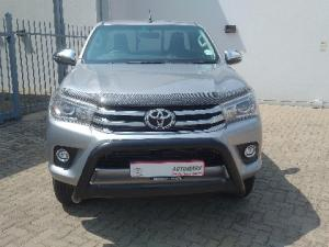 Toyota Hilux 2.8GD-6 4x4 Raider auto - Image 2
