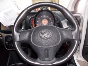Toyota Aygo 1.0 X-Play - Image 9