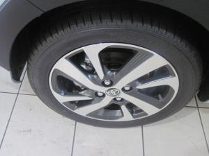 Toyota Yaris 1.5 Cross 5-Door - Image 4