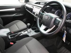Toyota Hilux 2.4 GD-6 SRX 4X4 automaticD/C - Image 13