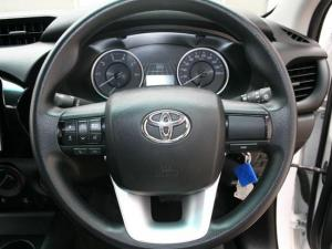 Toyota Hilux 2.4 GD-6 SRX 4X4 automaticD/C - Image 14