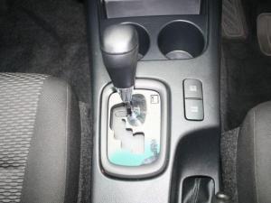 Toyota Hilux 2.4 GD-6 SRX 4X4 automaticD/C - Image 17