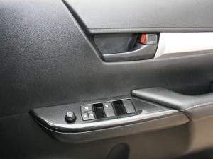 Toyota Hilux 2.4 GD-6 SRX 4X4 automaticD/C - Image 18