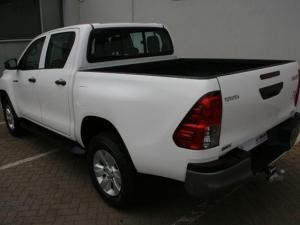 Toyota Hilux 2.4 GD-6 SRX 4X4 automaticD/C - Image 8