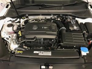 Volkswagen Passat 2.0 TSI R-LINE DSG - Image 11
