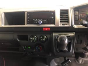 Toyota Quantum 2.7 GL 10-seater bus - Image 11