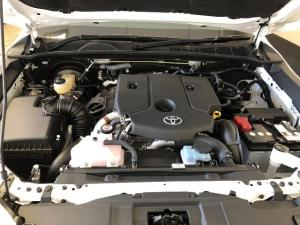 Toyota Hilux 2.4GD (aircon) - Image 12