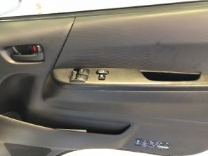 Toyota Quantum 2.5D-4D S-Long panel van - Image 13