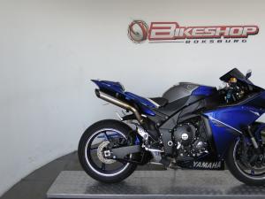 Yamaha YZF R1 - Image 1
