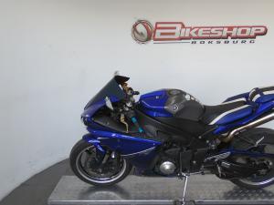 Yamaha YZF R1 - Image 4