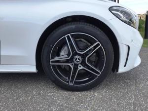 Mercedes-Benz C220d automatic - Image 12