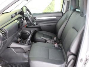 Toyota Hilux 2.4GD (aircon) - Image 13