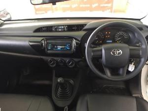 Toyota Hilux 2.0 - Image 12