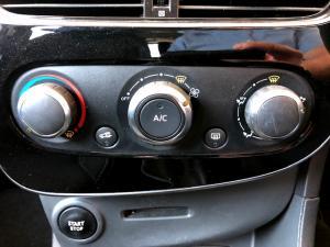 Renault Clio IV 900T Authentique 5-Door - Image 20