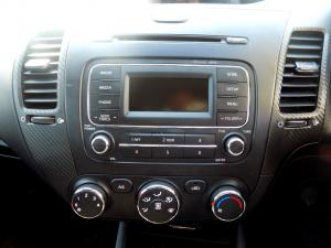 Kia Cerato 2.0 EX automatic 5-Door - Image 20
