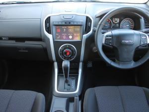 Isuzu D-MAX 300 LX automatic D/C - Image 2