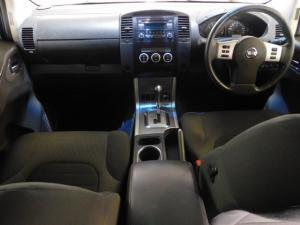 Nissan Navara 2.5dCi double cab LE auto - Image 6