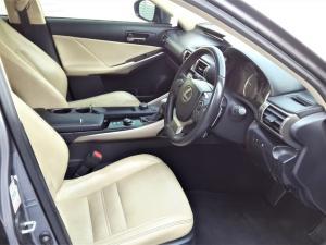Lexus IS 350 E - Image 11