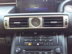 Lexus IS 350 E - Image 12