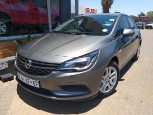 Opel Astra 1.0T Essentia - Image 1