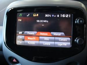 Toyota Aygo 1.0 X-CITE - Image 18