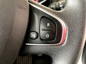 Renault Clio IV 900 T Expression 5-Door - Image 17