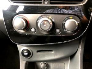 Renault Clio IV 900 T Expression 5-Door - Image 20