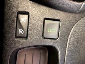 Renault Clio IV 900 T Expression 5-Door - Image 23