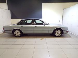 Jaguar XJS 4 Litre automatic - Image 2