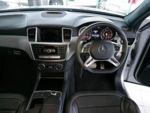 Mercedes-Benz ML ML63 AMG - Image 10
