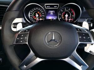 Mercedes-Benz ML ML63 AMG - Image 11