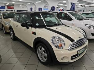MINI Hatch Cooper - Image 1