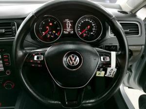 Volkswagen Jetta 1.6TDI Comfortline - Image 10