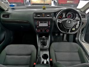 Volkswagen Jetta 1.6TDI Comfortline - Image 5