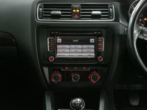 Volkswagen Jetta 1.6TDI Comfortline - Image 6