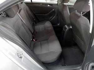 Volkswagen Jetta 1.6TDI Comfortline - Image 7