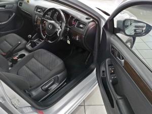 Volkswagen Jetta 1.6TDI Comfortline - Image 8