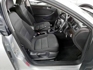 Volkswagen Jetta 1.6TDI Comfortline - Image 9