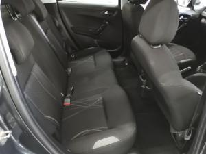 Peugeot 208 5-door 1.2 Active - Image 5