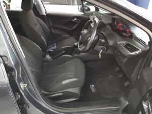Peugeot 208 5-door 1.2 Active - Image 8
