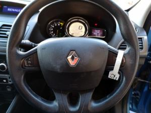 Renault Megane 1.6 Expression - Image 11