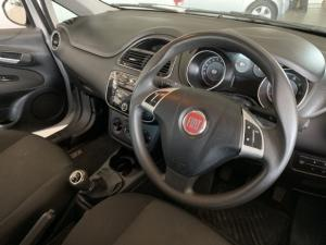 Fiat Punto 1.4 Essence - Image 5