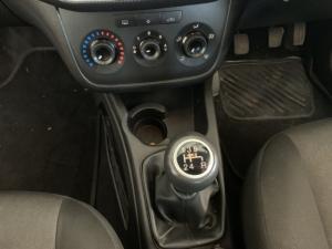 Fiat Punto 1.4 Essence - Image 8