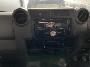 Toyota Land Cruiser 76 Land Cruiser 76 4.2D station wagon - Image 6