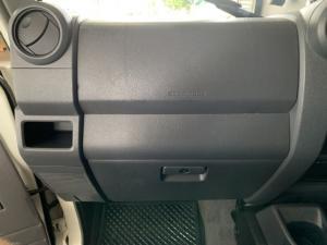 Toyota Land Cruiser 76 Land Cruiser 76 4.2D station wagon - Image 8