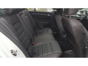 Volkswagen Golf GTI Performance auto - Image 10