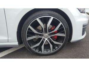 Volkswagen Golf GTI Performance auto - Image 11