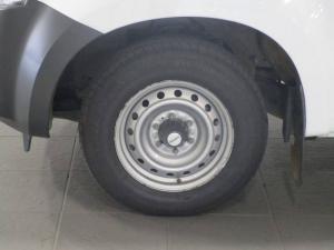 Isuzu KB 250 - Image 9