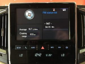 Toyota Land Cruiser 200 4.5D-4D V8 VX - Image 12