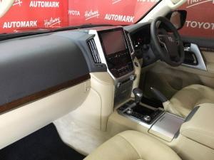 Toyota Land Cruiser 200 4.5D-4D V8 VX - Image 7